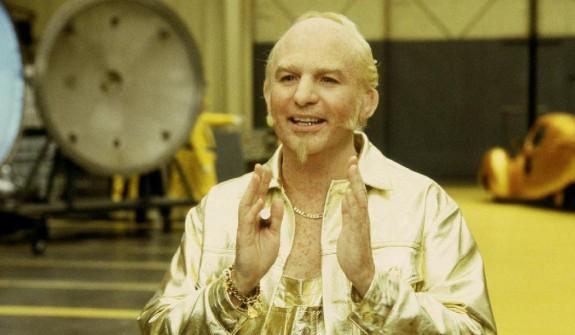 Златния член Гангстер от Лос Анджелис умира, след като имплантира злато в скротума си - Magazine (4)