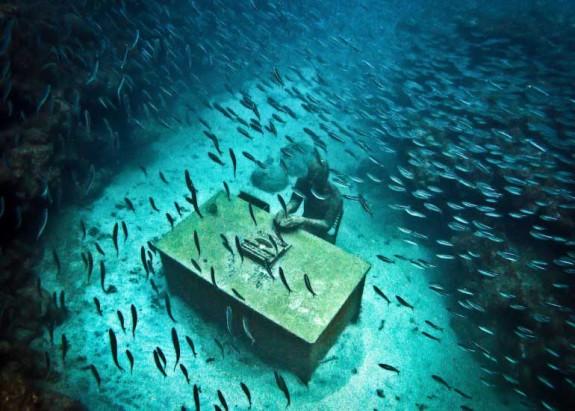Скулптурната градина на морското дъно - Magazine (2)