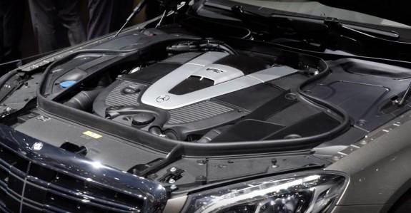 Дрейк си купил Mercedes-Maybach S600 Pullman - Magazine.bg (5)