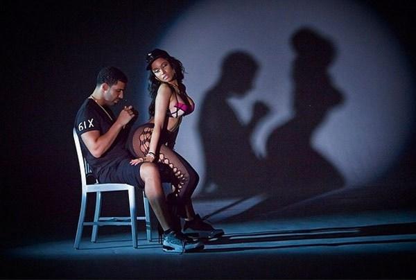 Nicki Minaj Нейните 12 най-секси, и най-разкриващи тоалети (засега) - Magazine (6)