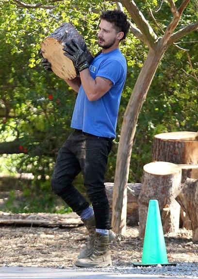 Световно известни личности в едно обикновено Шая Лабъф - събира дърва някъде из Калифорния- част 1 - Magazine (18)