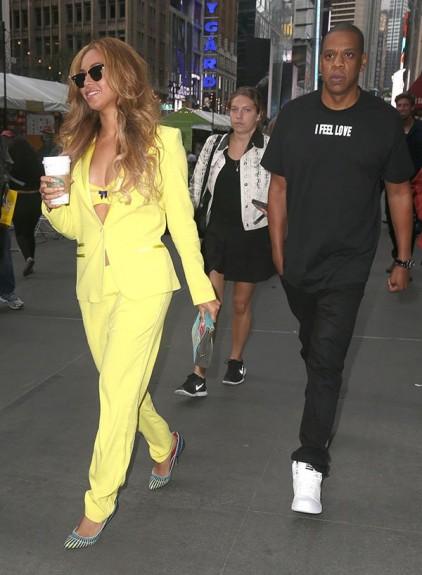Световно известни личности в едно обикновено ежедневие - част 1 - Magazine (3) Бейонсе и Джей Зи - напускат офисите си в Ню Йорк