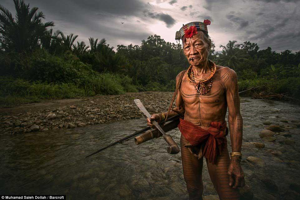 Племето недокосната от съвременния свят - Magazine (14)