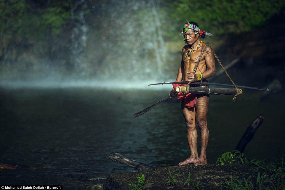 Племето недокосната от съвременния свят - Magazine (19)