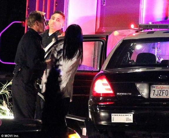 Селена Гомез e арестуванa, по време на снимките на новото си видео (видео+снимки) - Magazine (8)