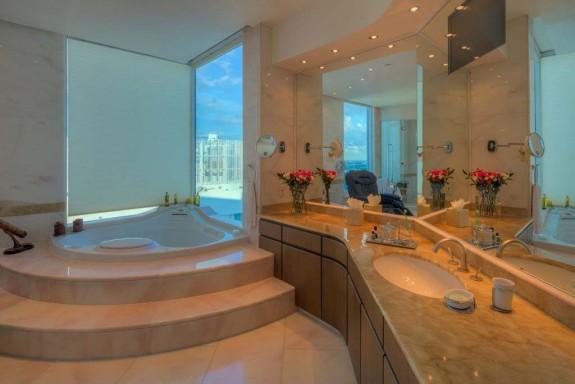 Фарел Уилямс продава гигантския си мезонет в Маями за $ 10.9 милиона (12)