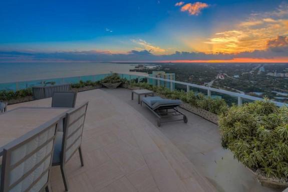 Фарел Уилямс продава гигантския си мезонет в Маями за $ 10.9 милиона (17)