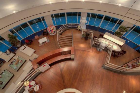 Фарел Уилямс продава гигантския си мезонет в Маями за $ 10.9 милиона (6)