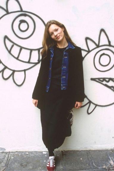20 известни личности като тинейджъри - Magazine.bg (13) Кейт Мосс е английски модел и моден дизайнер.