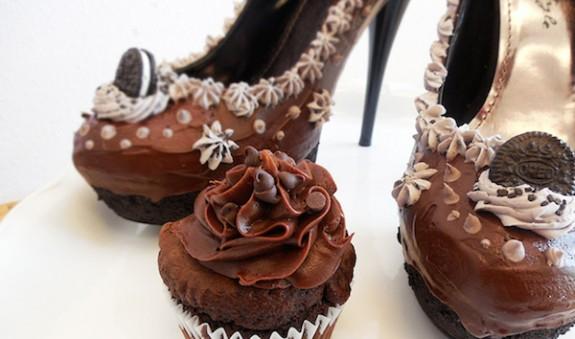 Сладки Всяка обувка е създадена с много любов и огромно внимание към всеки детаил. Компанията приема и поръчки, за да може да получите такива обувки, каквито желаете.При поръчка на такива обувки трябва да почакате от 3 до 6 седмици, но чакането в този случай си заслужава. Цената им варира от 200$ до 400$. обувки 3