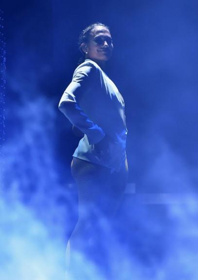Дженифър Лопез взриви с тоалет и участие iHeartRadio music festival - Magazine.bg (15)