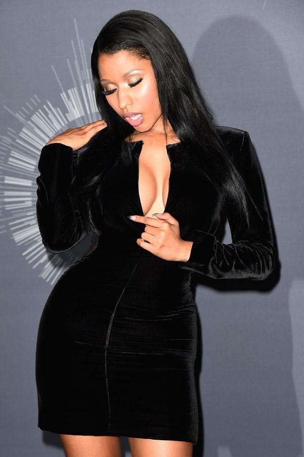Nicki Minaj Нейните 12 най-секси, и най-разкриващи тоалети (засега) - Magazine (13)