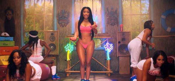 Nicki Minaj Нейните 12 най-секси, и най-разкриващи тоалети (засега) - Magazine (5)